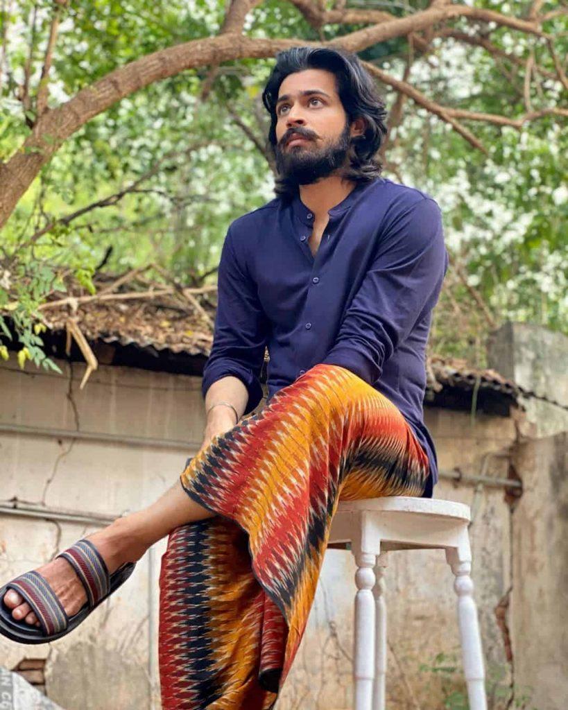 Actor Harish Kalyans Rare Photo Gallery (13)