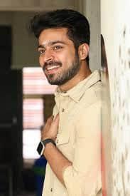 Actor Harish Kalyans Rare Photo Gallery (38)