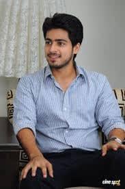 Actor Harish Kalyans Rare Photo Gallery (43)
