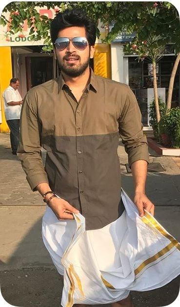 Actor Harish Kalyans Rare Photo Gallery (45)