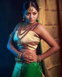 Actress Shalu Shamus Rare Photo Gallery (18)