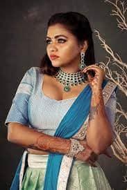 Actress Shalu Shamus Rare Photo Gallery (38)