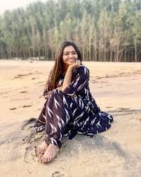 Actress Shalu Shamus Rare Photo Gallery (39)