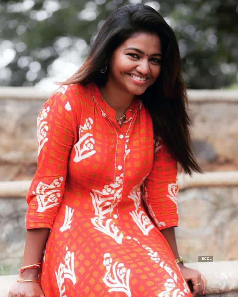Actress Shalu Shamus Rare Photo Gallery (48)