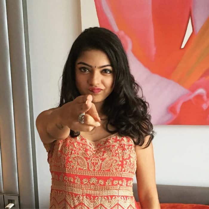 Actress Varsha Bollammas Rare Photo Gallery (36)